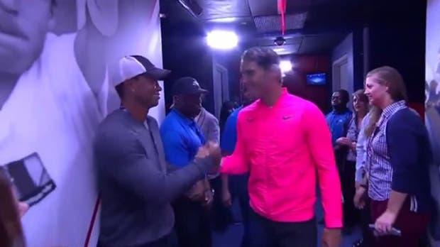 El saludo de Tiger Woods y Rafael Nadal