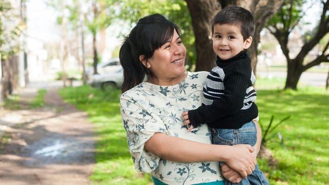 Patricia Córdoba, tuvo a su bebé por parto fisiológico bajo condiciones de maltrato
