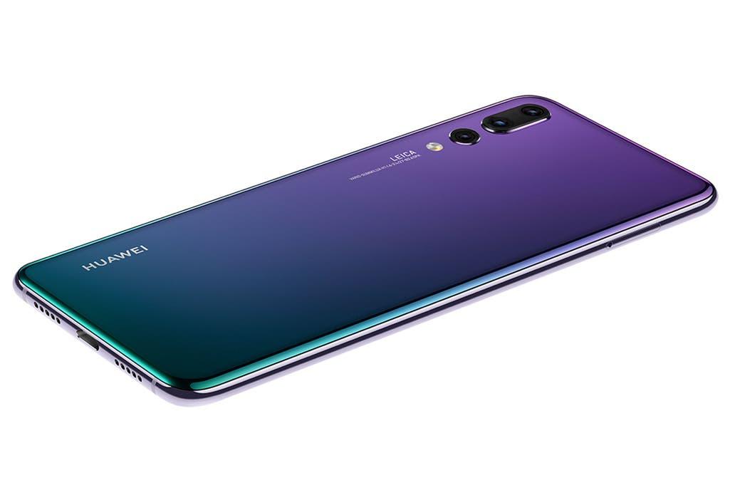 Huawei presenta smartphone con impactante sistema de triple cámara (15:30 h)