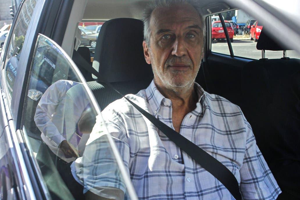 Afip exige que López pague con su dinero