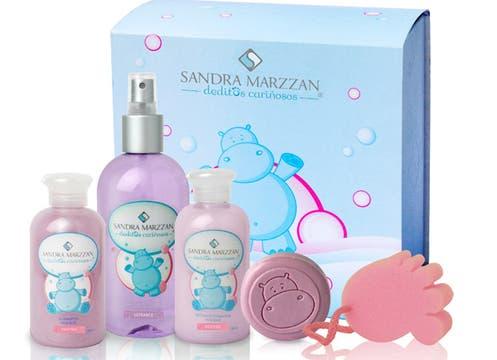 Para los más chiquitos: set de Susana Marzan con Shampoo, acondicionador, aromatizador para prendas, jabón  y esponja de baño, todo hipoalergénico ($104,50). Foto: lanacion.com