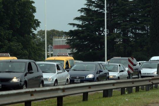 La autopista Riccheri totalmente colapsada de tránsito, se calcula que circularan unos 4116 autos más de lo normal. Foto: LA NACION / Miguel Acevedo Riú