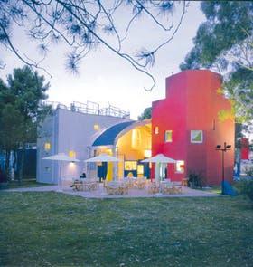 La galería de arte Altera: un estallido de color y armonía que la definen como un Testa auténtico