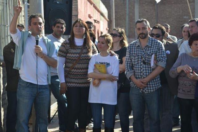 El diputado camporista Andrés Larroque estuvo haciendo política en un jardín de infantes