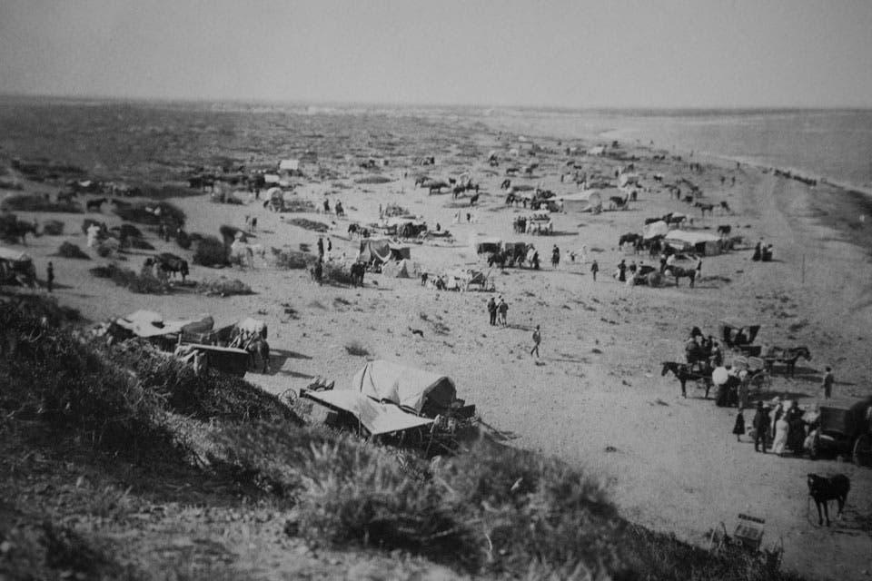 Campamento junto al mar.
