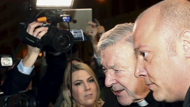 El cardenal Pell al llegar al hotel Quirinale en Roma para dar su testimonio