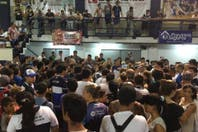 Hinchas de Gimnasia autoconvocados piden por Troglio y exigen renuncias dirigenciales