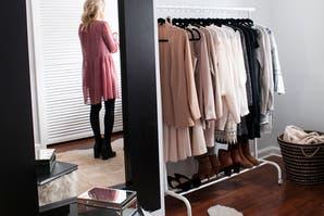 Solución 365: ideas para armar un vestidor en el cuarto extra de tu casa