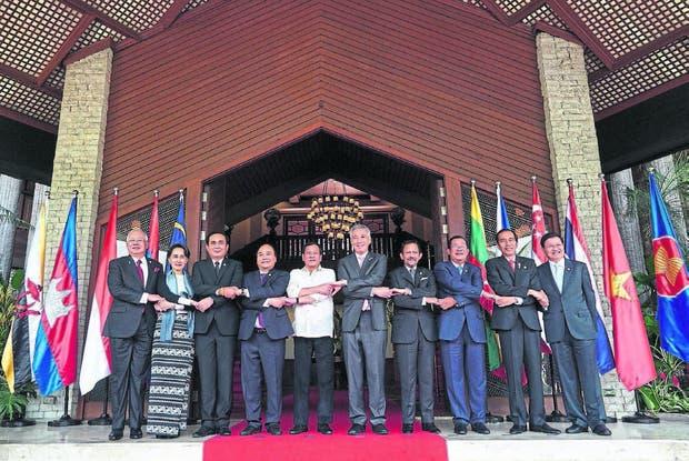 En abril, los mandatarios en la 30ª reunión de Asean