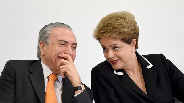 Michel Temer y Dilma Rousseff en 2015