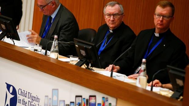 """El cardenal Pietro Parolin llamó a """"volver a tomar el control del desarrollo del mundo digital"""""""