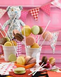 Los macarons se pueden rellenar con diferentes sabores, incluso se pueden usar mermeladas.
