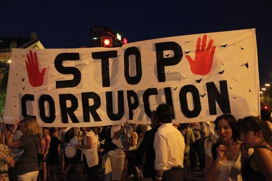 La ocurrencia y originalidad de los que participaron en la protesta del #8N. Foto: LA NACION / Guadalupe Aizaga