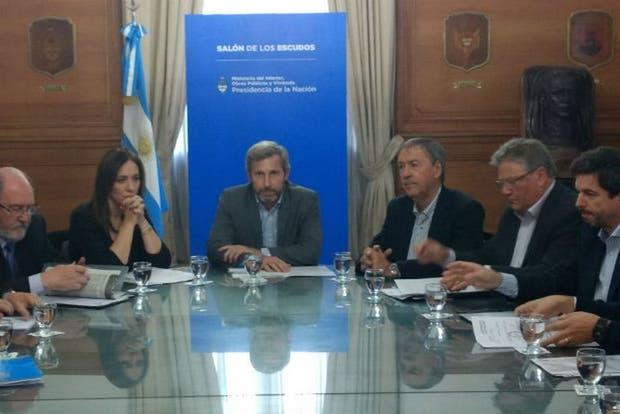 Frigerio encabezó el encuentro con los mandatarios provinciales