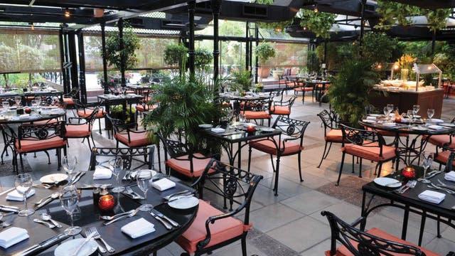 El jardín de invierno del Intercontinental ofrece una terraza mágica que es un oasis en la ciudad