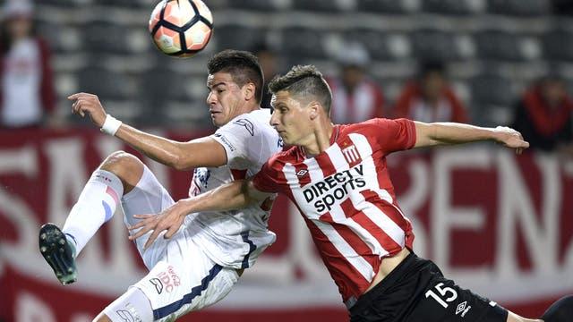 Un partido luchado define el futuro de Estudiantes en la Copa