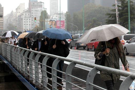 Rige una alerta meteorológica por tormentas y granizo para la Capital y varias provincias. Foto: LA NACION / Ezequiel Muñoz