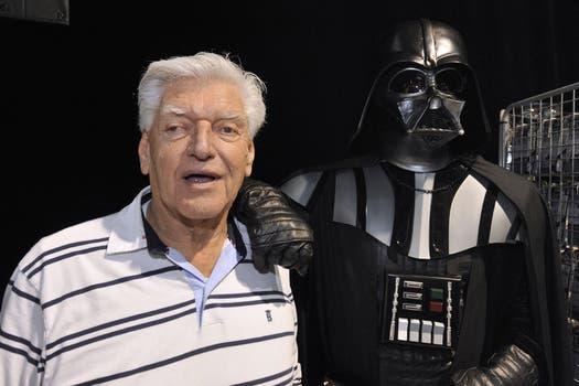Cuando el actor se funde con el personaje, ¿David Prowse o Darth Vader?; en la convención de Star Wars. Foto: AFP