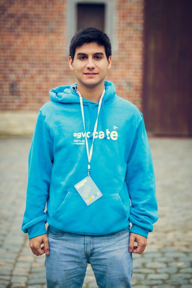Mauricio Britez es paraguayo y estudia ingeniería agronómica