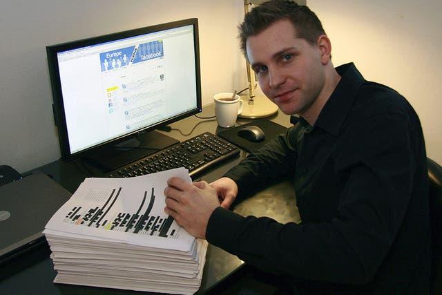 Max Schrems, un estudiante de derecho austríaco de la Universidad de Viena, durante el pedido de descarga de datos personales de su perfil de Facebook