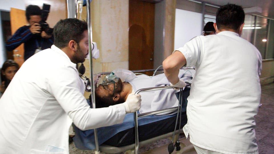 Alan Luciano Ruschel llega al hospital de Antioquia. Foto: Reuters / Guillermo Ossa
