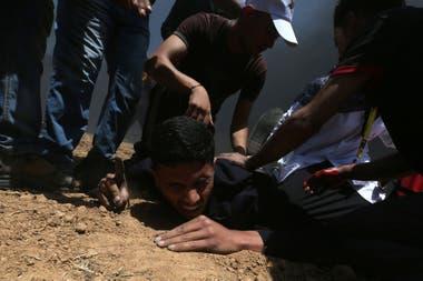 Un herido palestino durante la protesta