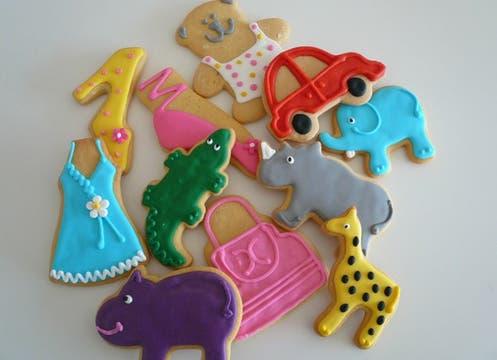 Galletitas personalizadas para agasajar a los más chicos. Miden 10 x 10 cm, y cuestan de 6 a 9 pesos, según la cantidad. Se piden en www.farinetas.com. Foto: lanacion.com