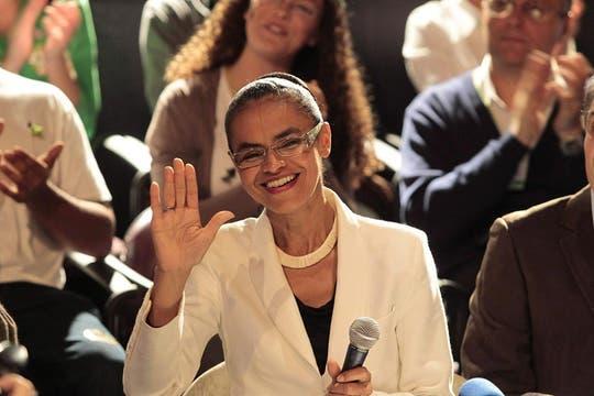La candidata a presidencia de Brasil por el Partido Verde (PV), Marina Silva,,se ubicótercera con el 19,53% de los votos, sus seguidores serán una importante balanza en el ballottage. Foto: EFE