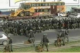 Gendarmería desalojó en minutos a los manifestantes que cortaban la Panamericana