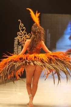 Mariana Antoniale dejó entrever su parte de atrás, ¿qué habrá pensado Jorge Rial?. Foto: Gerardo Viercovich