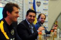 """Daniel Angelici desmintió que Daniel Osvaldo deje Boca: """"Es un buen jugador, un loco lindo y encima es fanático del club"""""""
