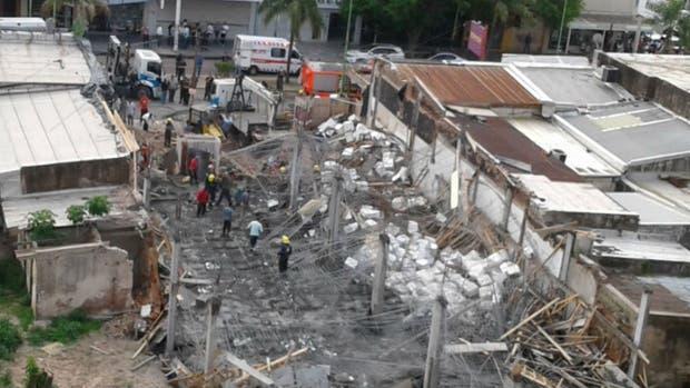 Un derrumbre en una obra dejó tres muertos en Campana