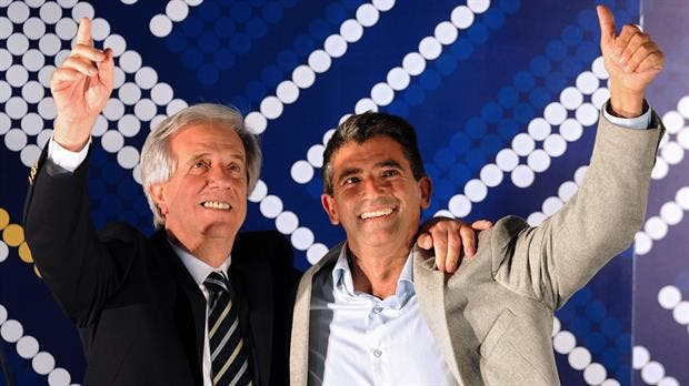 Raúl Sendic junto a Tabaré Vázquez