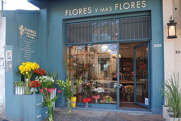 Flores y más flores, un local bien colorido. Foto: Cecilia Wall