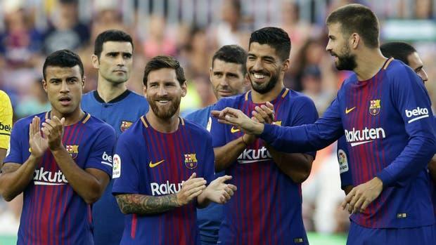 Messi, Suárez y Piqué y el homenaje para el plantel de Chapecoense