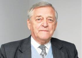 Clive James, experto en transgénicos