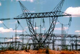 Las eléctricas le deben casi $ 8000 millones al Gobierno