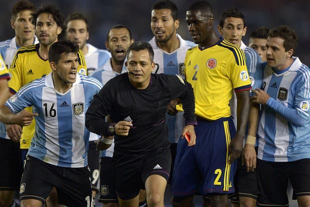 Un triunfo argentino dejará al equipo de Sabella muy cerca de Brasil 2014.  Foto:AFP