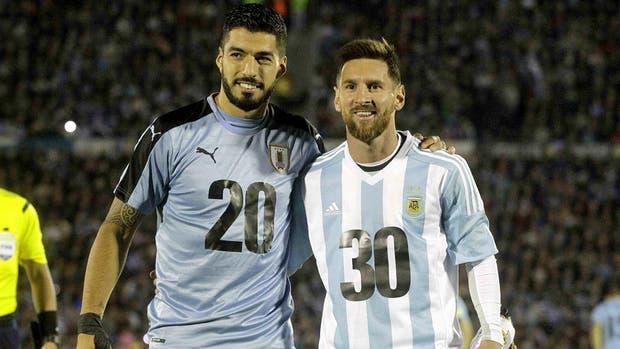 Suárez y Messi buscarán la clasificación al Mundial con sus respectivas selecciones