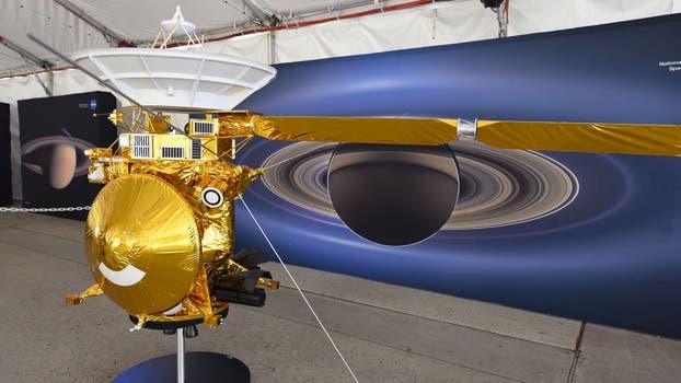 Un modelo de la nave Cassini en el Jet Propulsion Laboratory (JPL) de la NASA . Foto: AP