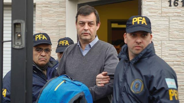 Víctor Manzanares, un contador que asesoró a Néstor y Cristina Kirchner, fue detenido en su estudio de Río Gallegos, por orden del juez federal Claudio Bonadio
