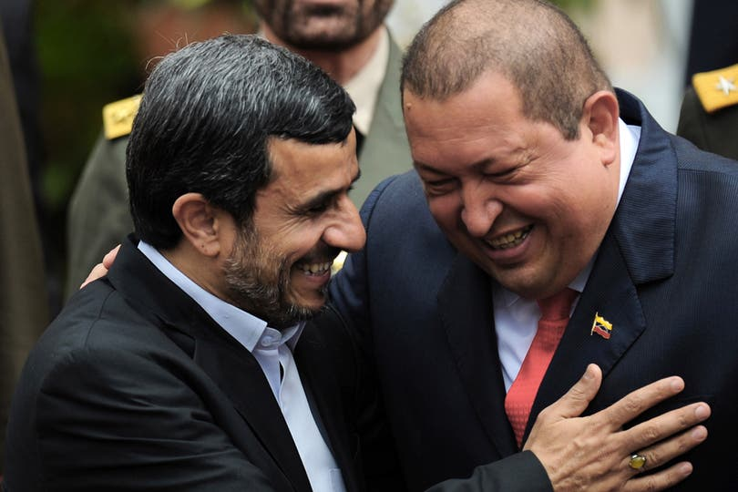 Junto a Mahmoud Ahmadinejad, presidente iraní el 9 de enero de 2012. Foto: Archivo