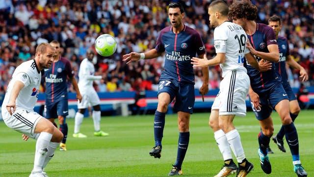 Pastore marcó en el triunfo ante Amiens