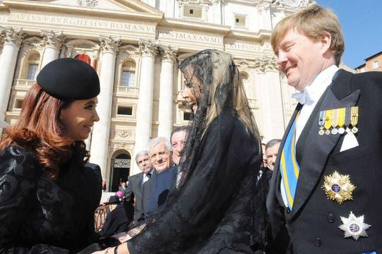 El mes pasado, en la asunción del papa Francisco, Máxima y Cristina volvieron a verse. Foto: Archivo