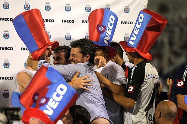 San Lorenzo campeón en la última fecha.  Foto:AP /Emiliano Lasalvia