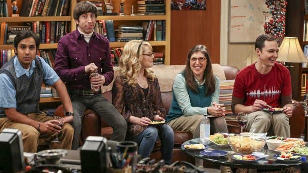 Kunal Nayyar, Simon Helberg, Melissa Rauch, Mayim Bialik y Jim Parsons en una grabación de The Big Bang Theory