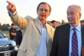 Germán Lerche, presidente de Colón, junto a Julio Grondona
