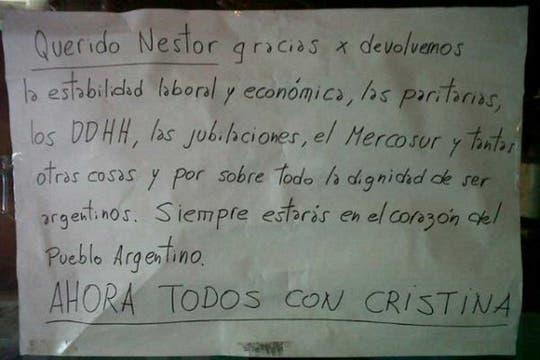 Miles de personas rinden homenaje al ex presidente Néstor Kirchner. Foto: LA NACION / Natalia Pecoraro