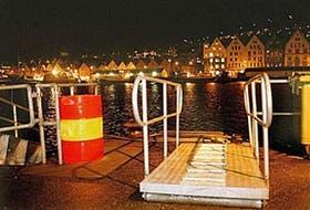 La zona portuaria de Bergen, uno de los lugares que eligen los drogadictos noruegos para reunirse
