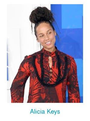 Mirá el look de las celebrities en los VMAs 2016